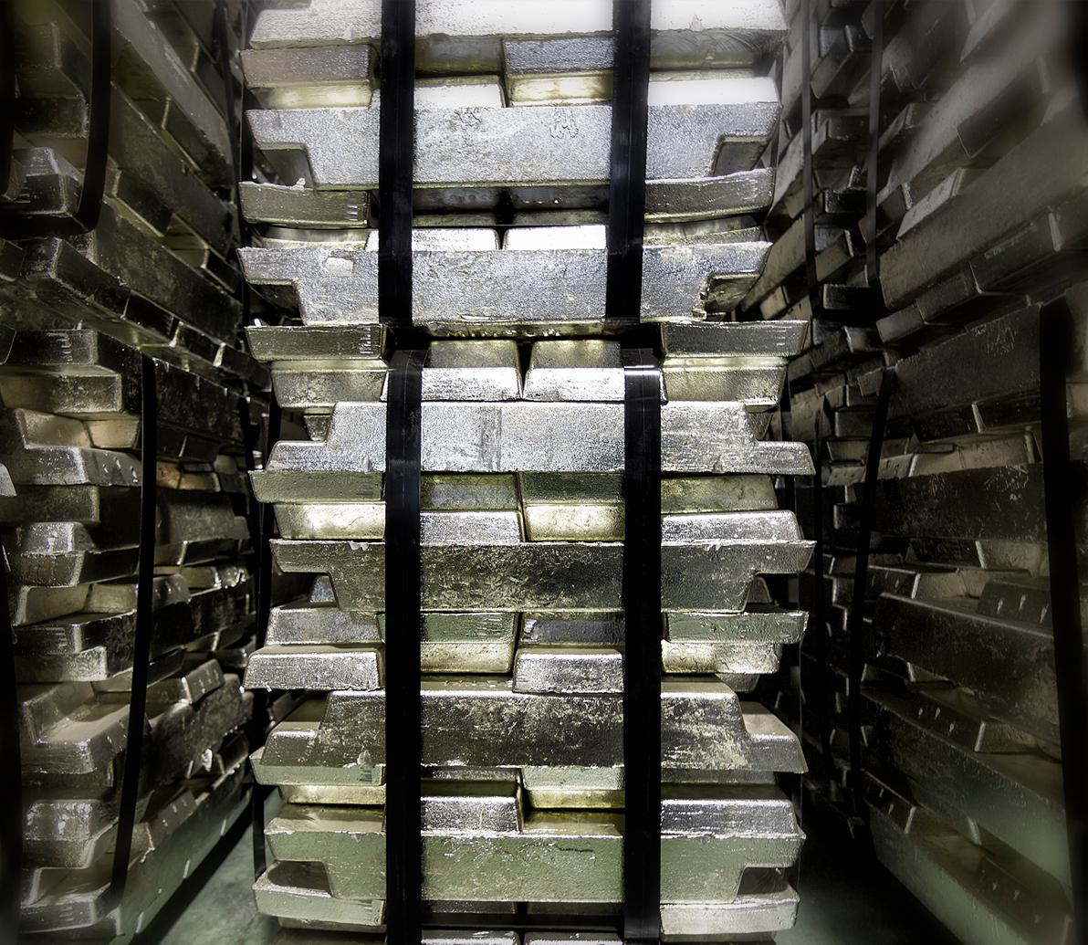 metales y planchas de plomo